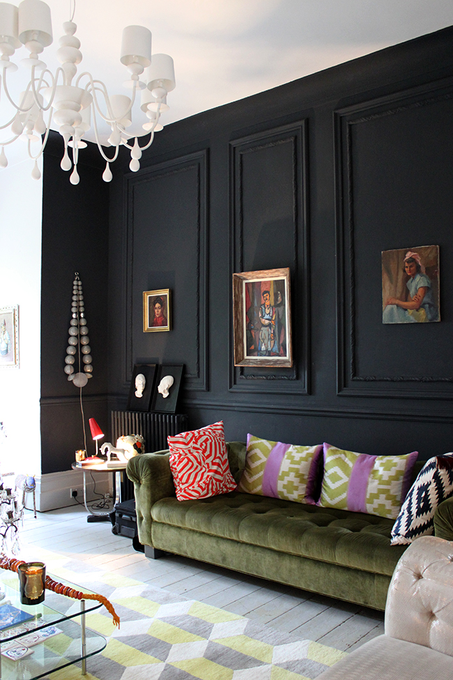 Guest house interior inspiration - black paneled walls - That Homebird Life Blog