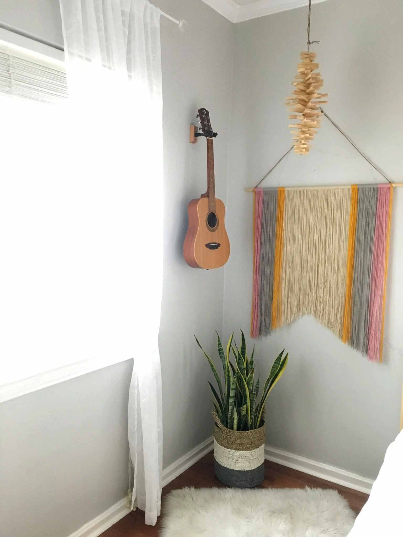 Finished yarn wall hanging - That Homebird Life Blog