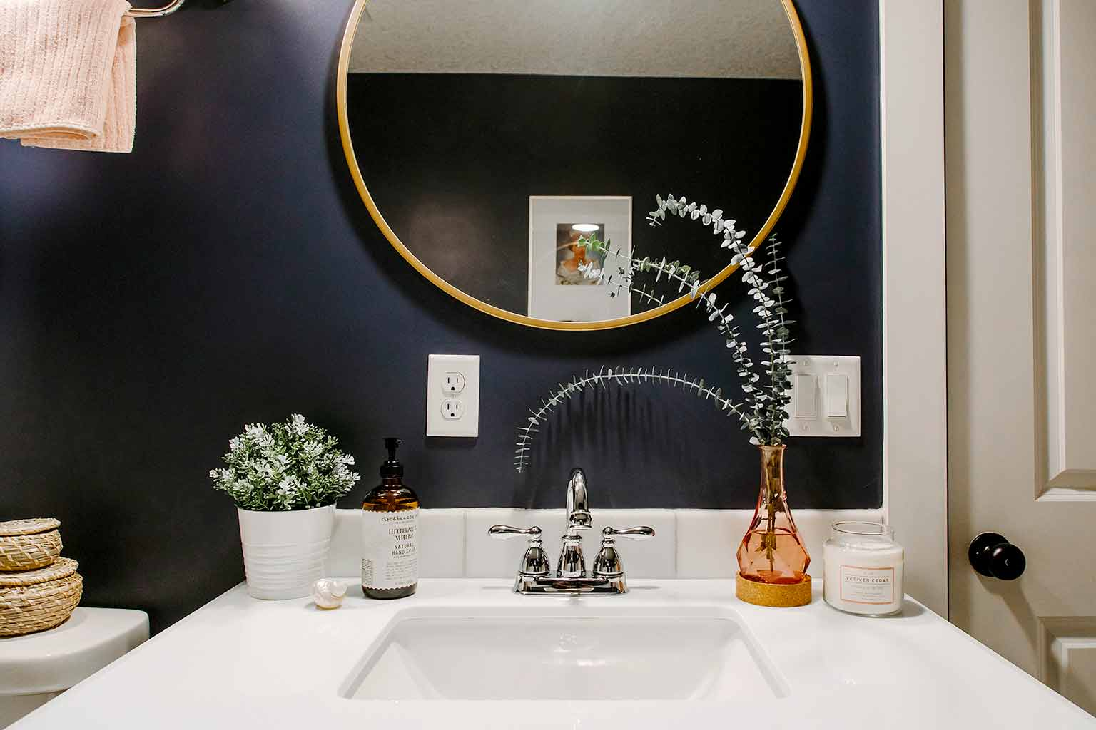 Hale navy bathroom with brass accents and board and batten - The Guest House Reveal - That Homebird Life Blog