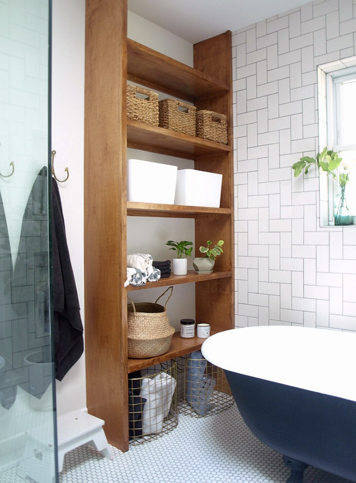 Bathroom shelving and storage baskets - simple ways to style a bathroom - That Homebird Life Blog