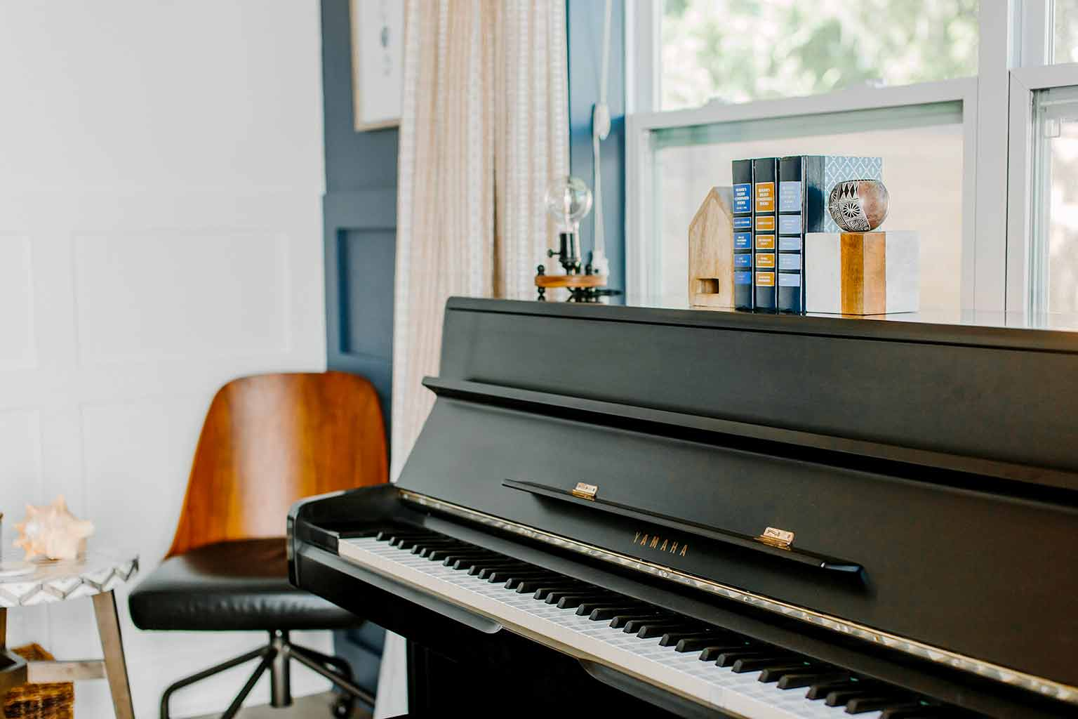 Yamaha upright piano - The Guest House Reveal - That Homebird Life Blog