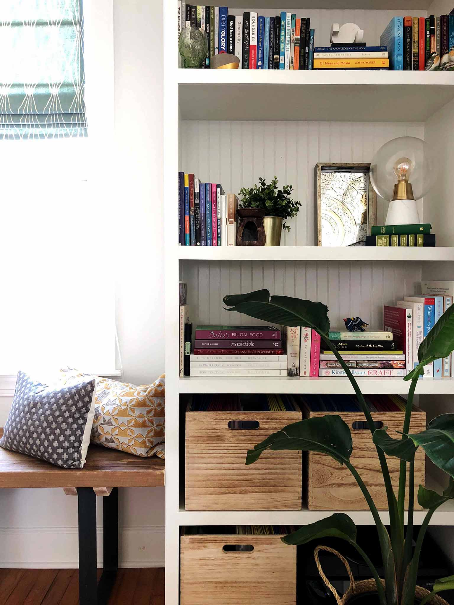 Layered and cozy living room - built-in shelving - That Homebird Life Blog
