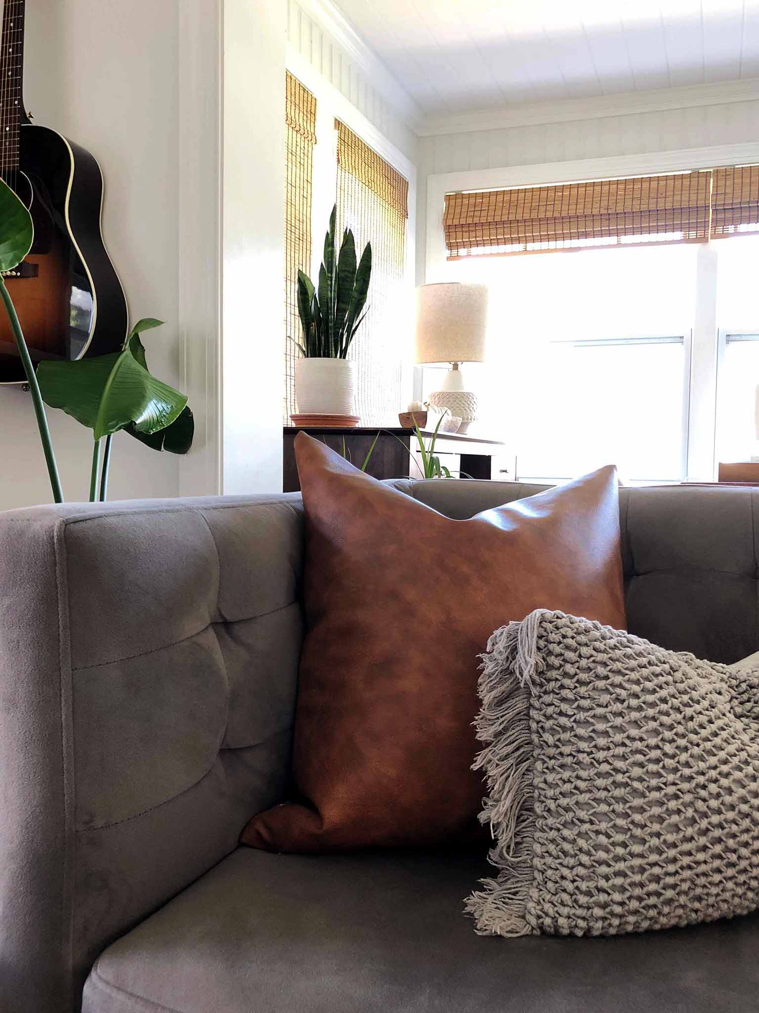 Decorating with pillows - Simple Fall Decor for the Uncluttered Home - That Homebird Life blog