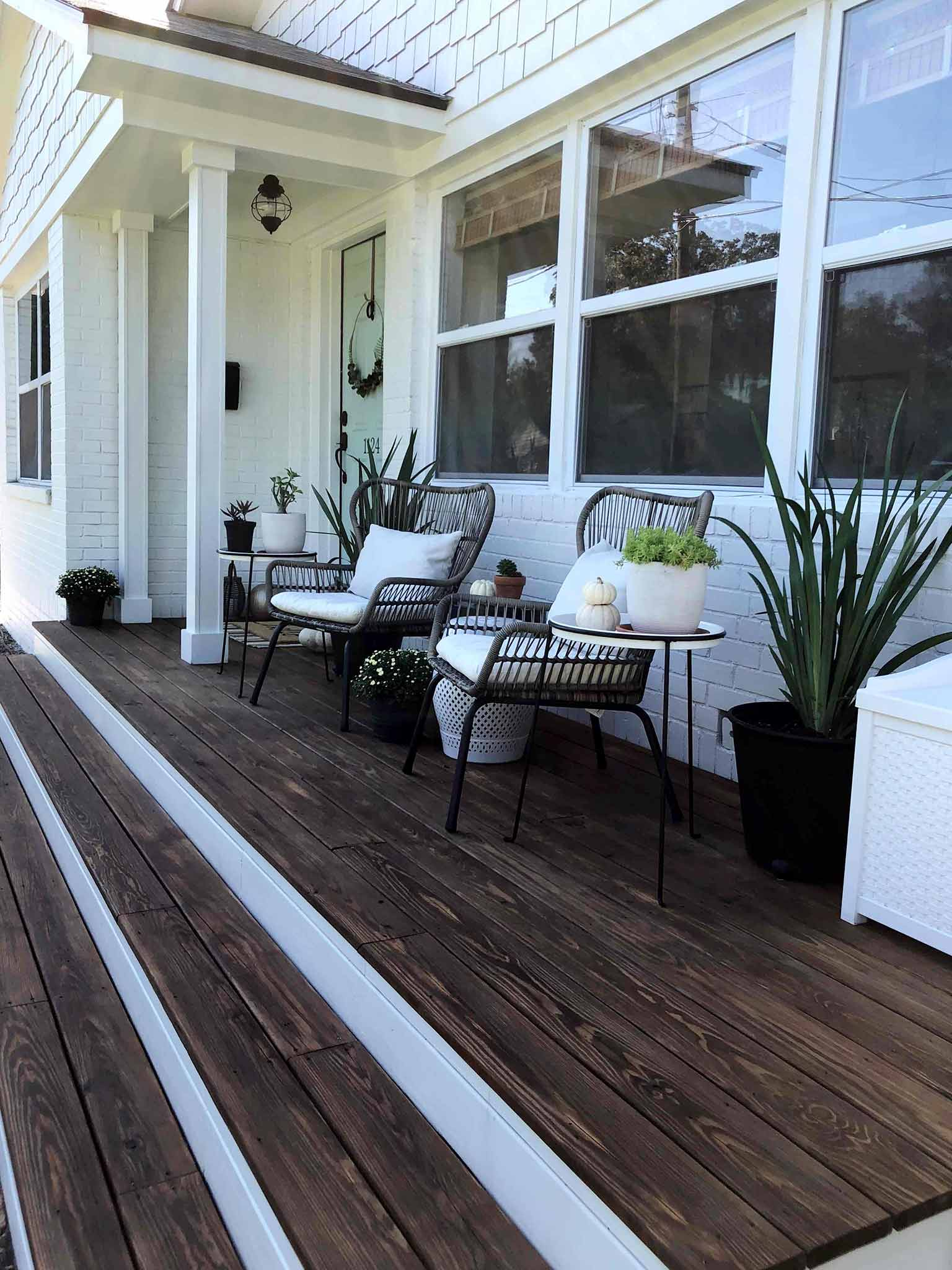 Front porch fall makeover reveal - That Homebird Life Blog
