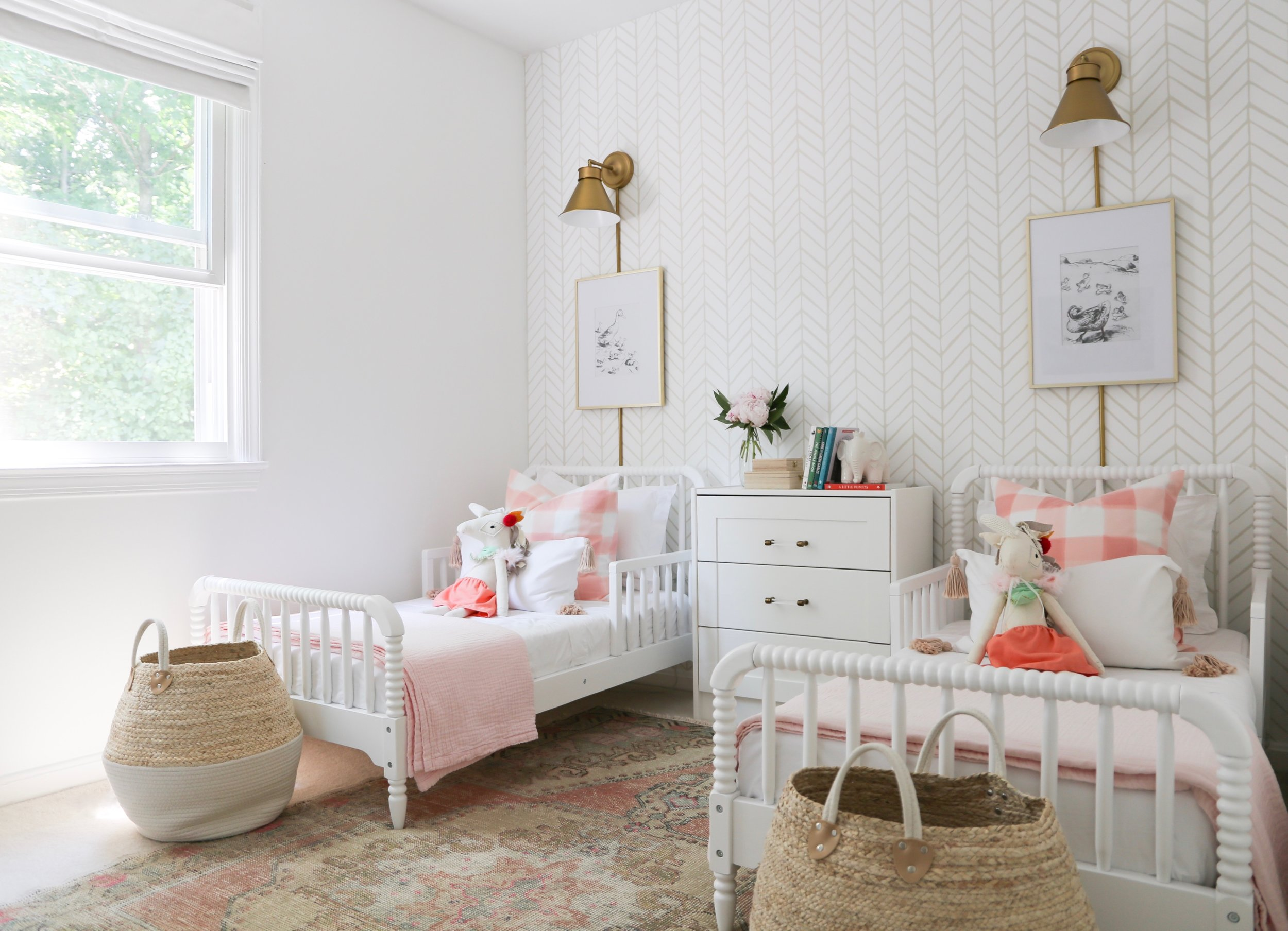 Inspiration for Girls' Bedroom - Guest Participant of the One Room Challenge - That Homebird Life Blog