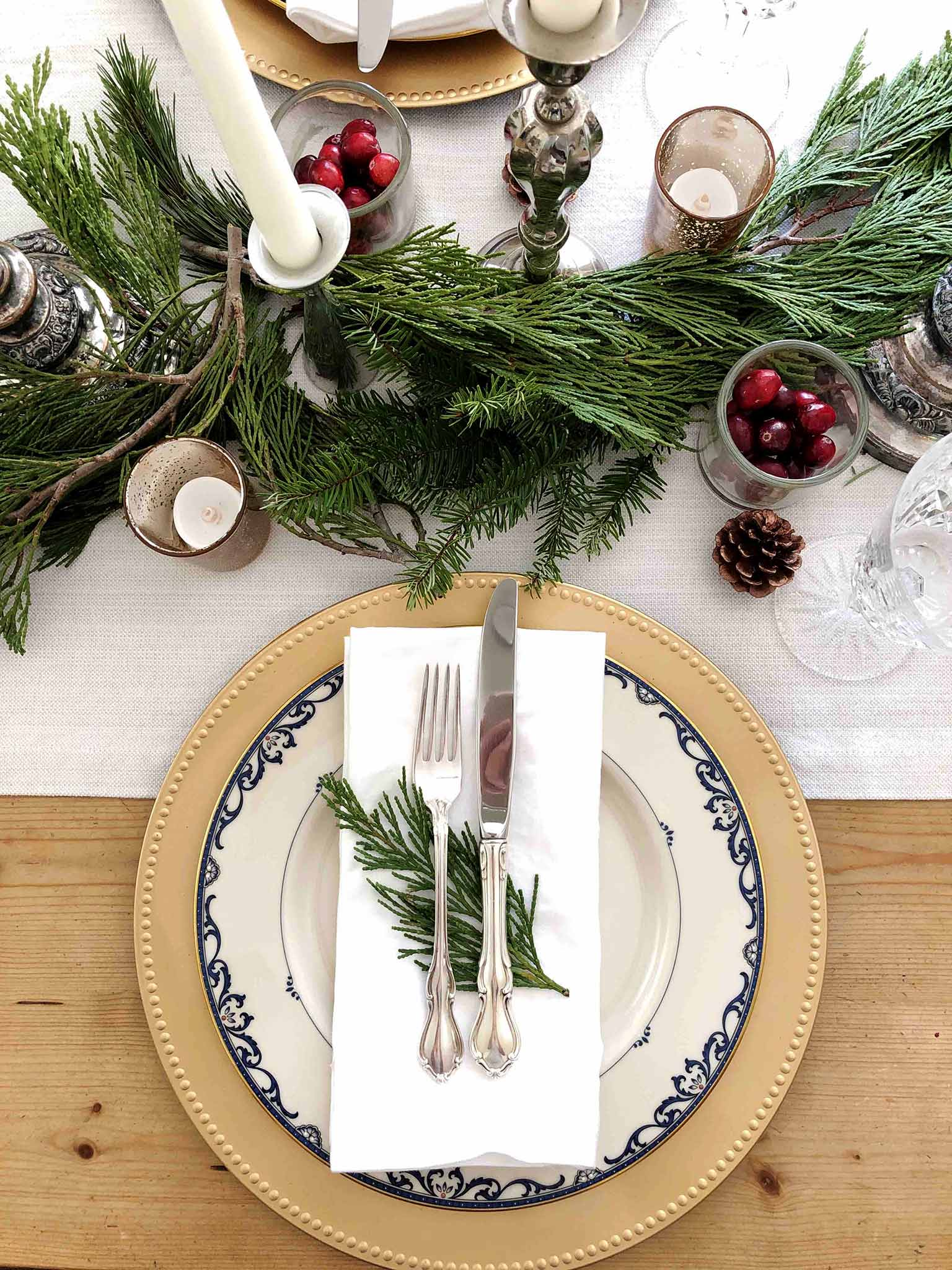 Vintage silverware | How to Create a Beautiful Tablescape on a Budget | That Homebird Life Blog #christmasdecor #tablescape