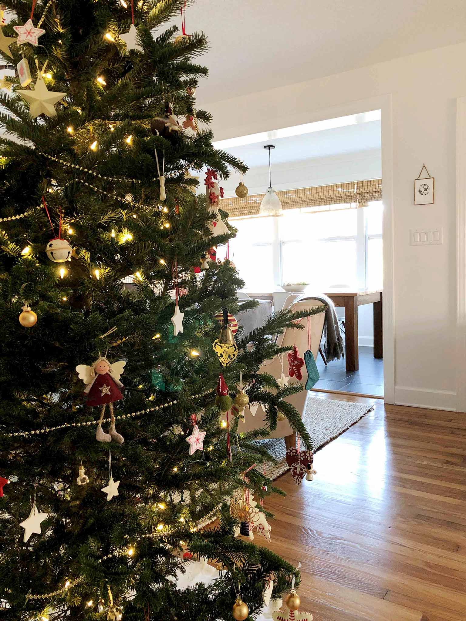 Christmas tree in the living room - Simple Yet Cozy Christmas Decor - That Homebird Life