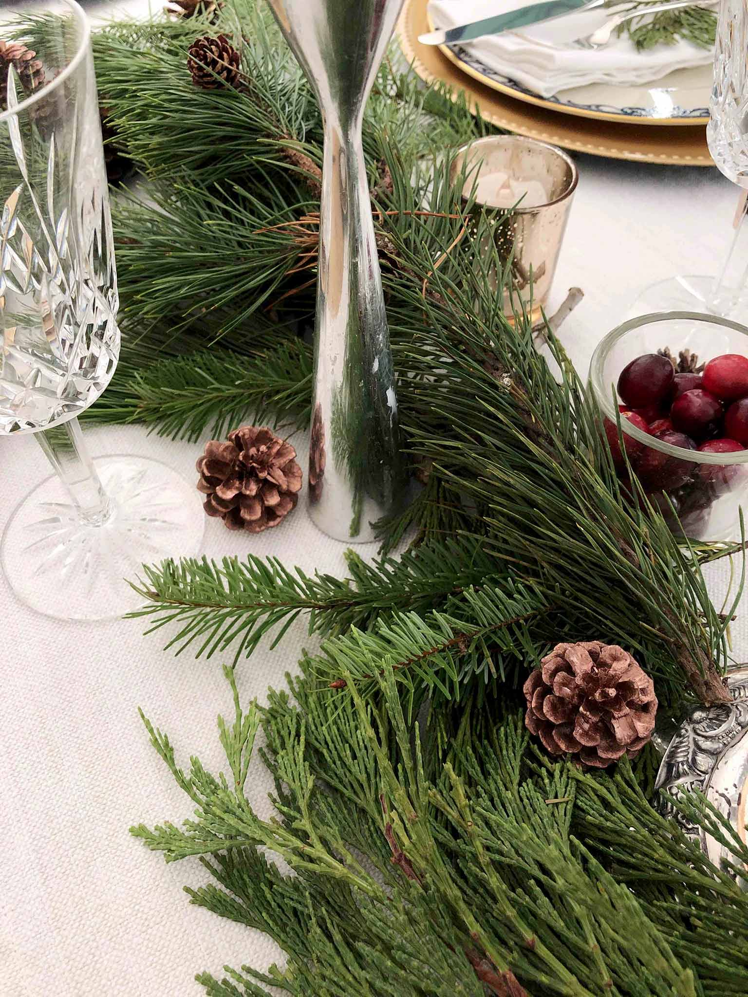 Greenery | How to Create a Beautiful Tablescape on a Budget | That Homebird Life Blog #christmasdecor #tablescape