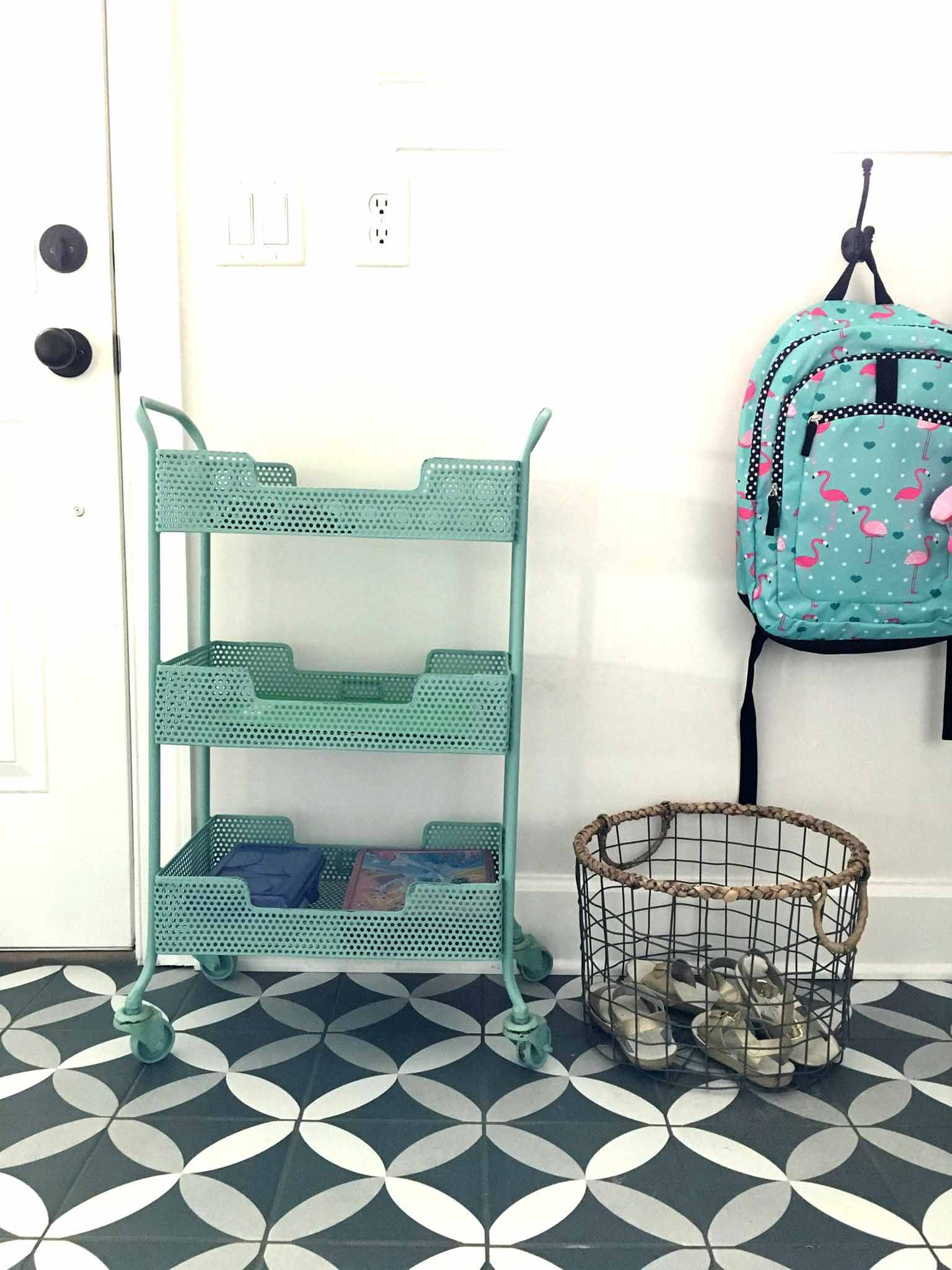 Rolling cart storage for entryway | 14 of My Favorite Products to Help You Organize What's Left After Decluttering | That Homebird Life Blog | #organization #organizationideas