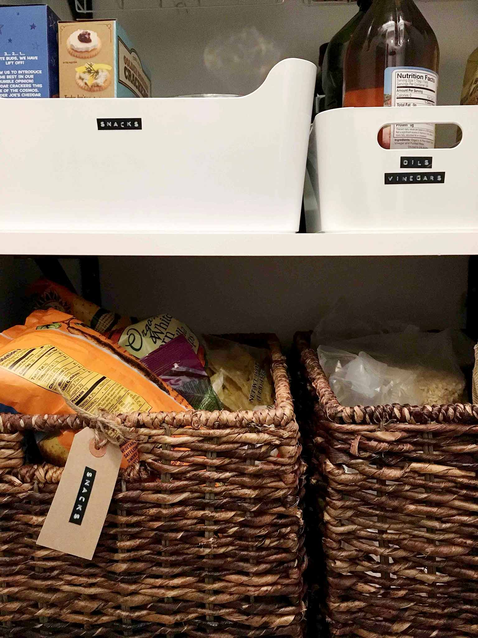 Using a label maker for pantry storage | 14 of My Favorite Products to Help You Organize What's Left After Decluttering | That Homebird Life Blog | #organization #organizationideas